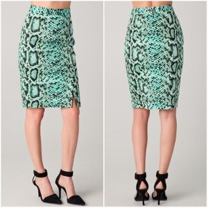 NANETTE LEPORE Squeeze Me Skirt Reptile Print 12